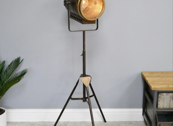 Industrial Spot Light Floor Standing Tripod Lamp Light Battery Operated Metal