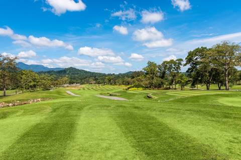 The course surrounded by forests, native hardwood trees, creeks, and lakes. Being far away from developed areas the weather is clear with most days having bright blue skies and comfortable temperatures. Although the surrounding terrain is mountainous, the course is for the most part flattish. Soi Dao caters to those looking for a relaxing round in a natural setting as opposed to the artificial championship course founds more often than not these days. Hole 3 is a 206 yard par-3 that plays over a large lake and is the Chatrium Golf Resort Soi Dao Chanthaburi signature hole.