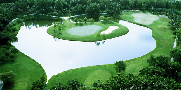 The 4th hole has a crater-like grass bunker in the middle of a double green. Probably the best hole on the golf course is the 11th, a par 5 measuring 694 yards, and is one of the longest par 5's in Thailand. Only the two par 6's found down the road at St. Andrews 2000 play longer. The two finishing holes at Wangjuntr Golf Park are also well-designed par 5's. Well struck drives can be rewarded with excellent 2-on opportunities, offering golfers birdie opportunities on these holes.