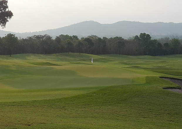 The 7,162 yard, par-72 Old Course at Siam Country Club is set in the low hills just a few kilometers from Pattaya and contains more than its fair share of mature trees, shrubs and plants. Various flowering and fruit trees on the course give one the impression of being in an arboretum or orchard, especially when in season. The abundant 'wildlife' in the form of sculptured bushes and hedges are a feature unique to Siam Country Club.