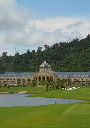 The best views on the Mountain Course are from the back nine. The 10th hole features an elevated tee box where scenes of the course, surrounding forest, and the Gulf of Thailand make for great panoramic photos. The par-4 hole plays downhill to a well-protected green. The Mountain Course's clubhouse is small but adequate. There is a dedicated driving range and practice areas too.
