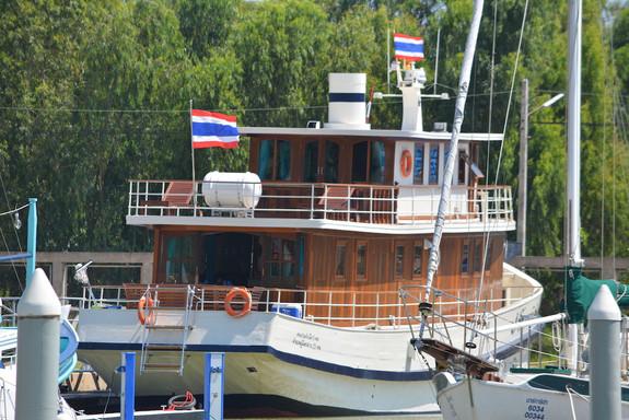 Yacht_P05.jpeg