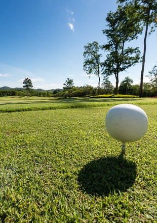 Practice facilities include a driving range and two greens for chipping and putting. There are halfway kiosks on the golf course after the 4th and 12th holes.