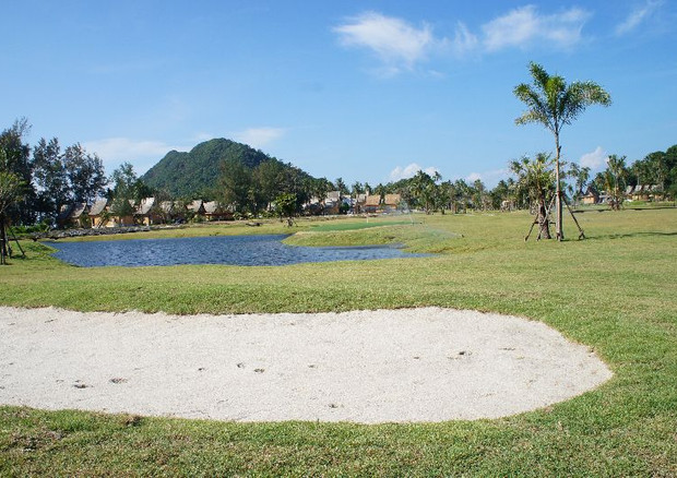 The picturesque course has also been designed so that in the afternoon it is playable in the reverse direction.
