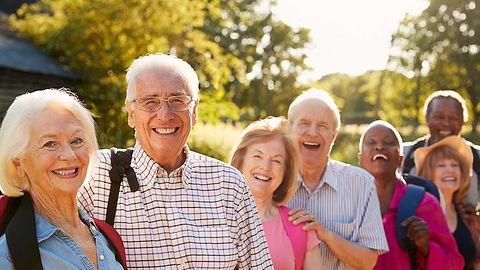 seniors-group-3_2.jpg