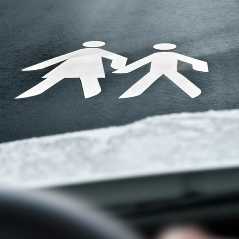 Automated Vehicle Communication Design for Pedestrians