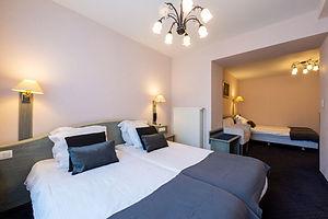 triple bedroom.jpg