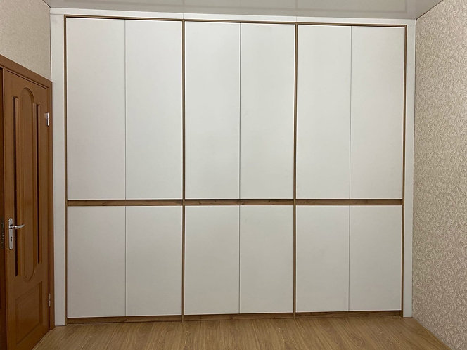 Шкафы распашные на заказ в Москве от производителя МФМ