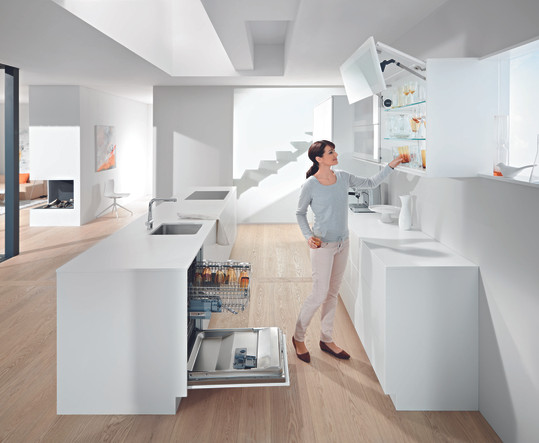 Идеальное решение для высоких фасадов в верхнем шкафу, состоящих из двух частей от производителя МФВ