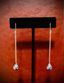 long pearl dangle ear- Jenny D