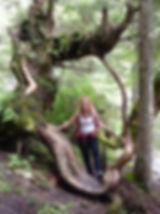 Claudia im Baum_klein.jpg
