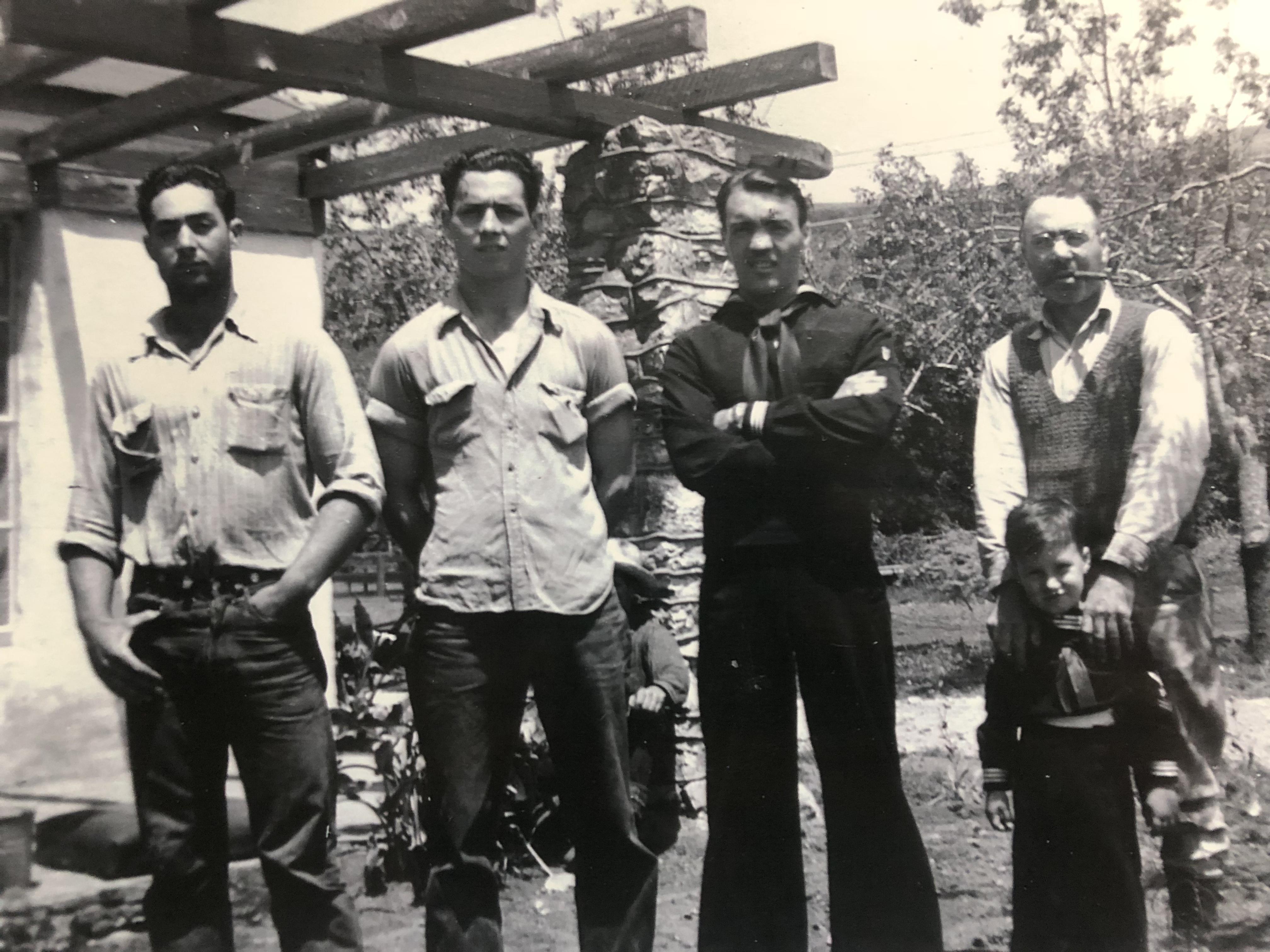 Milton, Arnold, Sunny, Frank & sons 1943
