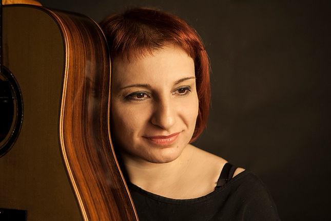 Eva Atmatzidou guitar