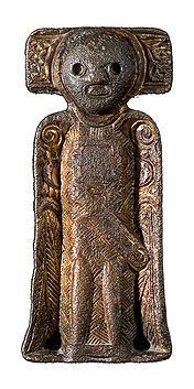 Riseengelen ble funnet i et gravfet på Rise, Driva i Oppdal.