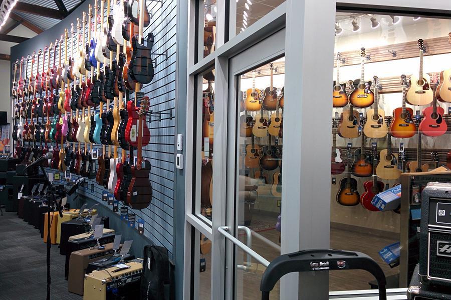 l-m-guitars-01.jpg
