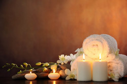 wellness-candles-stones-flowers-spa-748x498