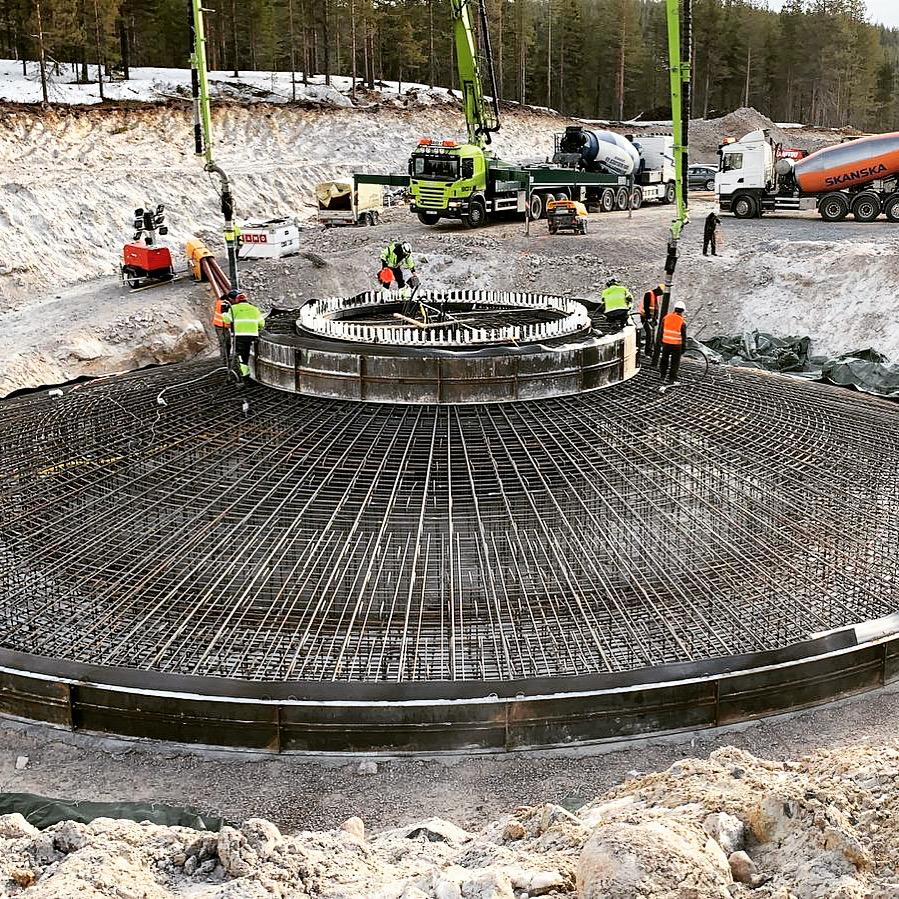 Wind turbine foundation reinforcement