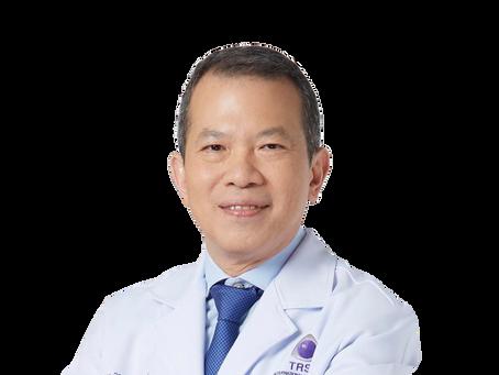 """คุณหมอคนเก่งแห่ง TRSC """"นพ.พิชิต"""" บรรยายพิเศษหัวข้อ """"Update Technology for Refractive Surgery"""""""