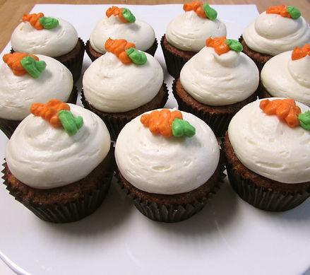 Carrot cake cupcakes 2.jpg