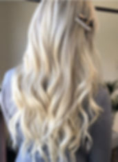 Loose waves by @bellamihairpro and cute