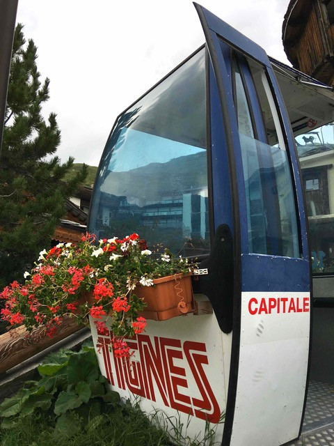 Tignes ski lift planter