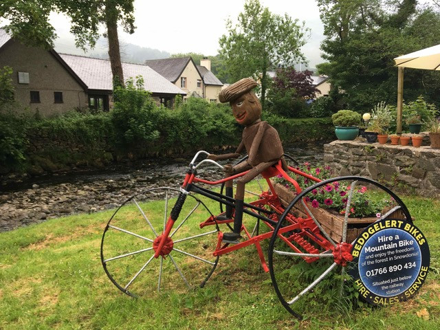 Beddgelert bike sculpture planter