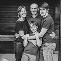 Familienfoto_edited.jpg