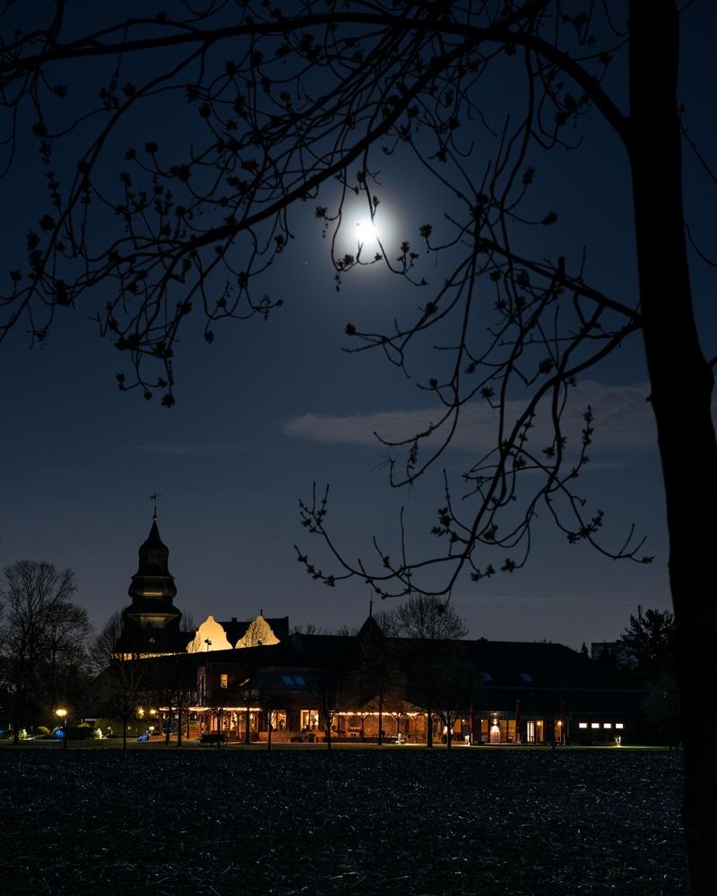 Dyckhof bei Nacht