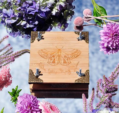 Bamboo Flower Press + Plantable Gift Card // Brass