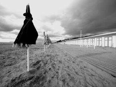 parasols_à_la_tombée_du_jour.JPG
