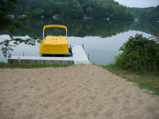 beach / boat dock