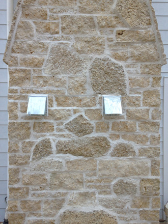split veneer & wed wall fireplace