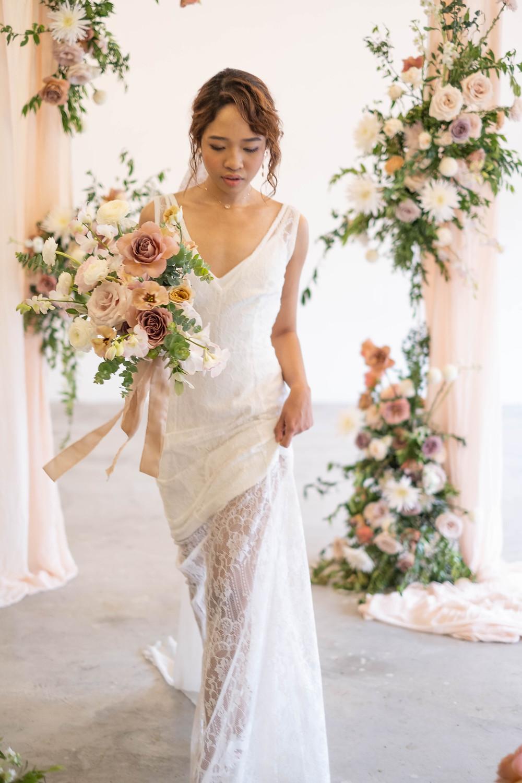 Wedding dress @onewedd , Photo @roobansacci