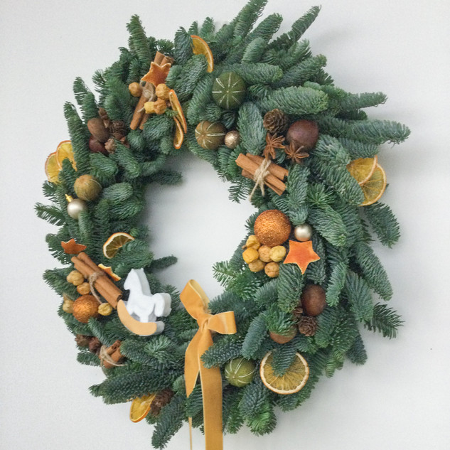 christmas wreath_nobilis.jpg