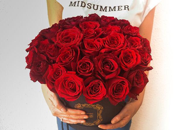 red rose box kl.jpg