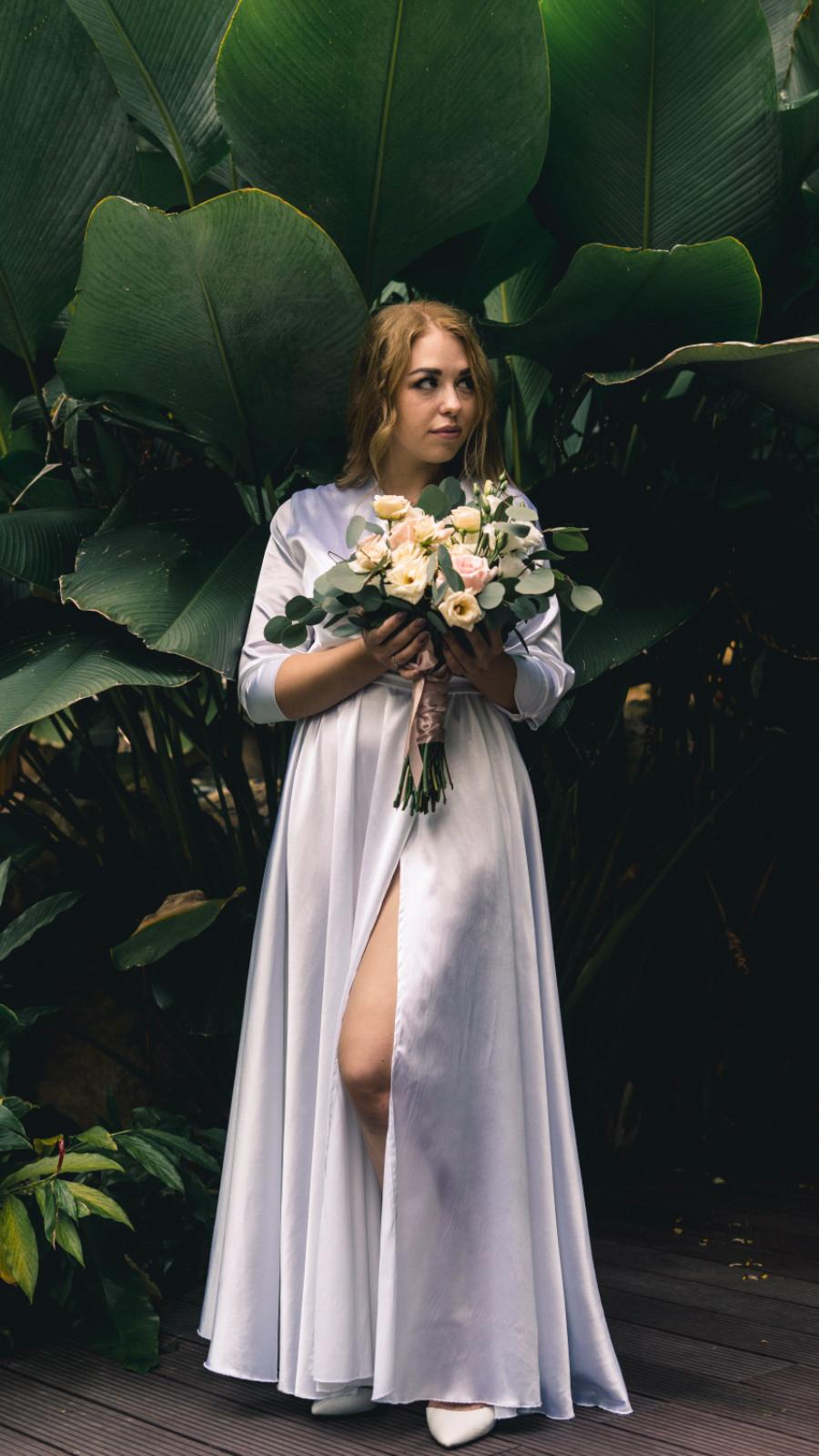 Bridal look. Photo @roobansacci