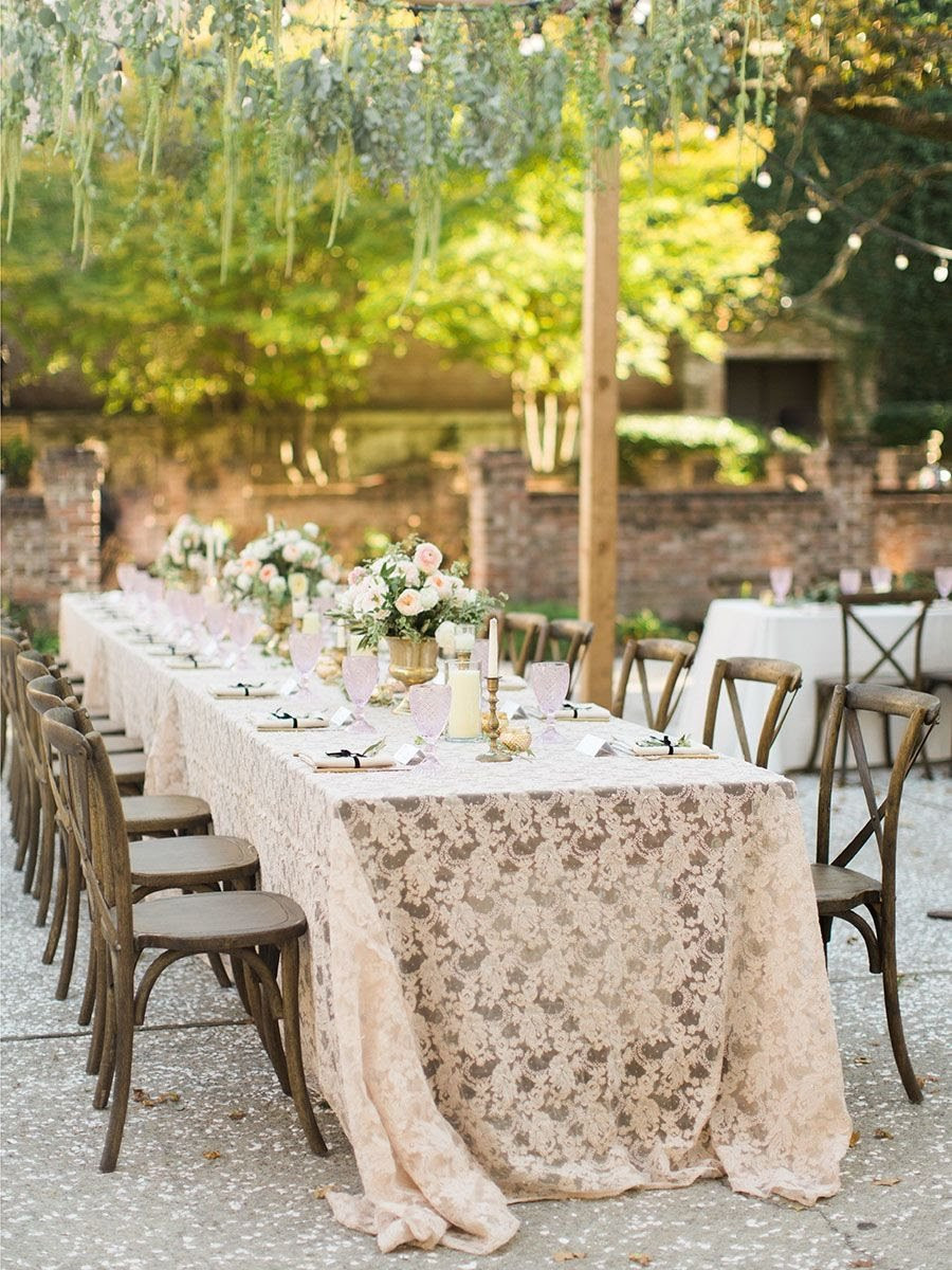 testured linens in wedding decor