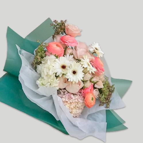 Premium Blooms Gift Bouquet (Standart)