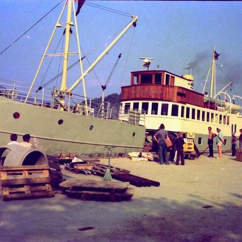 M/S Jøsenfjord til Skartveit kai, Halsnøy i Ryfylke sommeren 1975. Foto: Tor Lyder Øvregaard