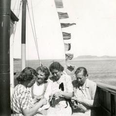 """Dampakånene"" på tur med ""JØSENFJORD"" til Sunnfjord i 1950"