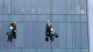 high rise window cleaning rappelling