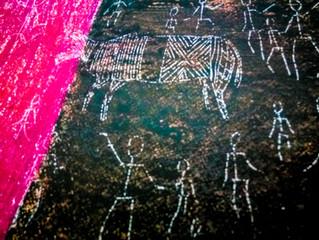 Сграффито - имитируем наскальную роспись.