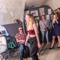 """Отчетный показ в Детской школе дизайна и моды 5 июня 2021 года  Курс """"Юный модельер"""", демонстрация отшитых на курсе моделей одежды"""