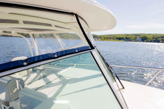 Parker Boats 2810 Walk Around Interior-7