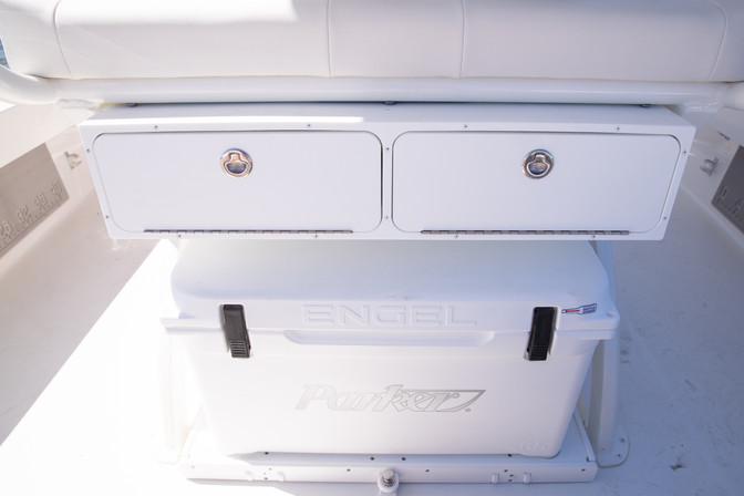 Parker Boats 2600SH cooler-storage.jpg