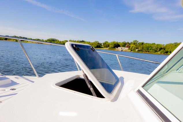 Parker Boats 2810 Walk Around Interior-8