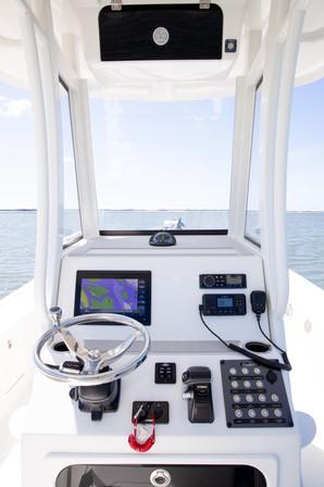 Parker Boats 2600SH Console 3.jpg