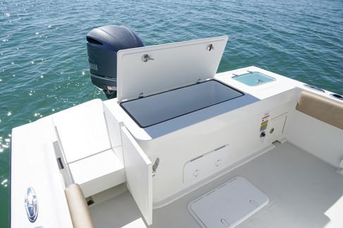 Parker Boats 2300 Deep V fish box and tr