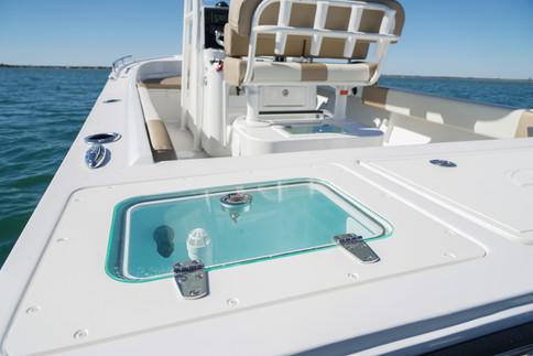 Parker Boats 2300 Deep V live well.jpg