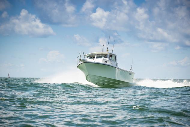 Parker Boats 2820XLD Sport Cabin Exterio